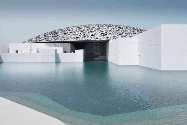 Iconic Musée du Louvre Arrives in AbuDhabi