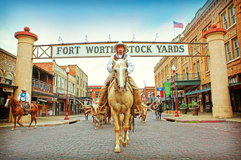 The_Fort_Worth_Herd_Stockyards_Sign_7da7c9af-6bad-4c53-bfbf-30aff1890b0e